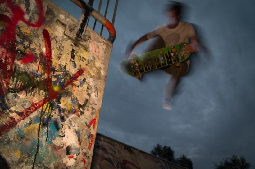 Skateboard-jump-free-license-CCo (1)